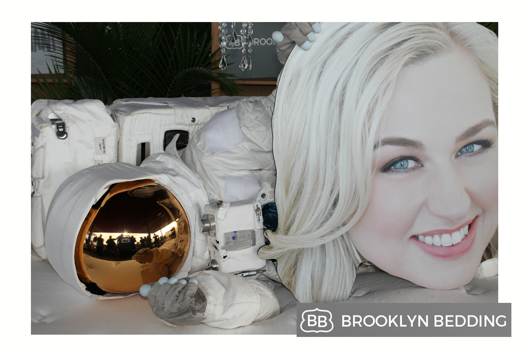 mtv moon man photo booth nyc